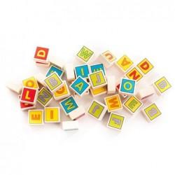 alfabet cu blocuri colorate din lemn