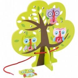 joc de snuruit-bufnita in copac