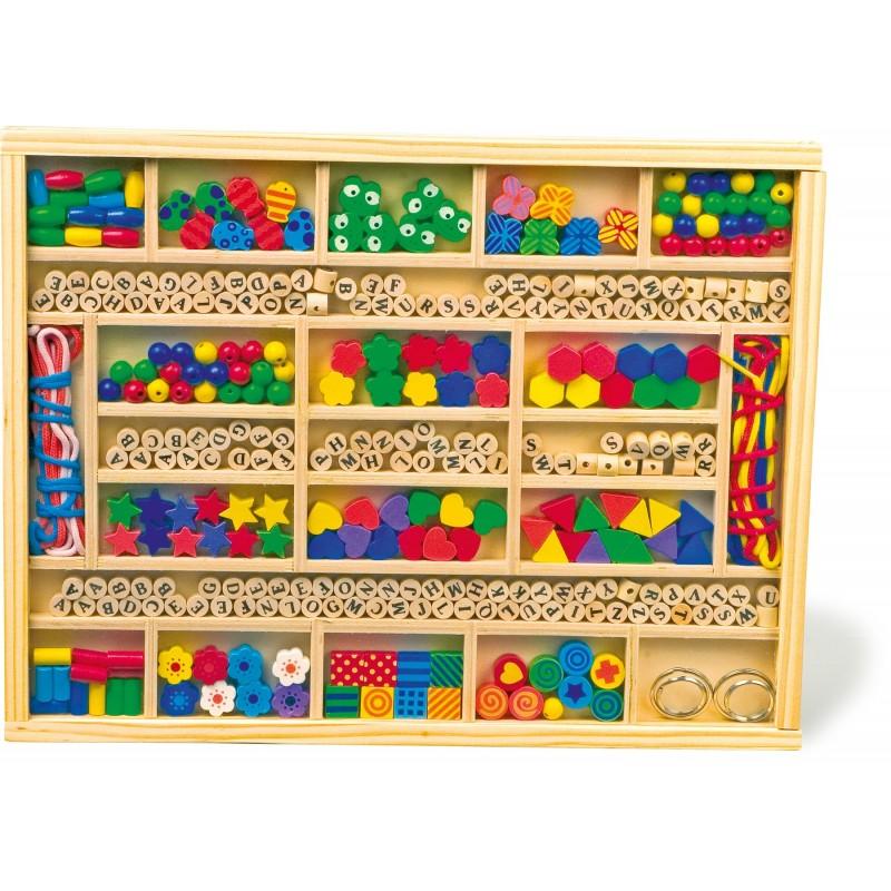 cutie cu piese pentru contruit lantisoare